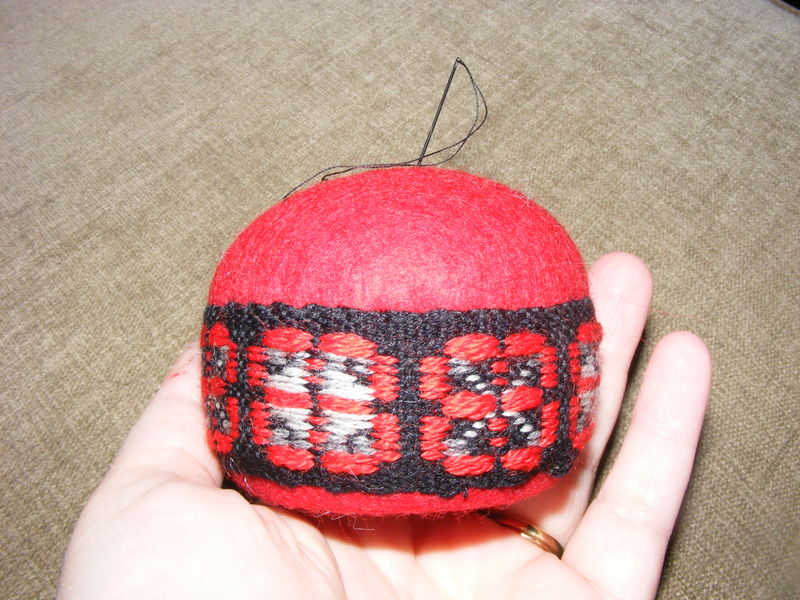 Tuna pin cushion 016